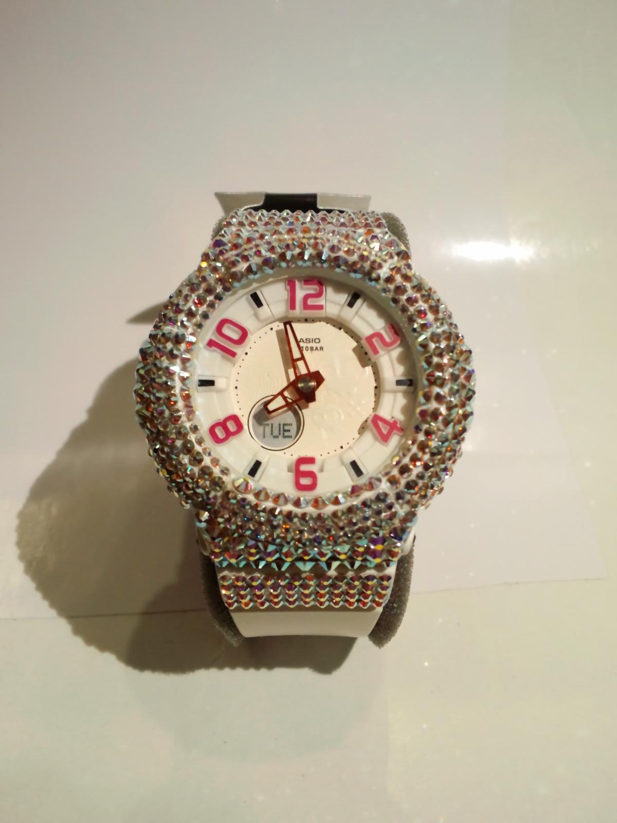 スワロ時計 『Baby-G ホワイト 腕時計』正面