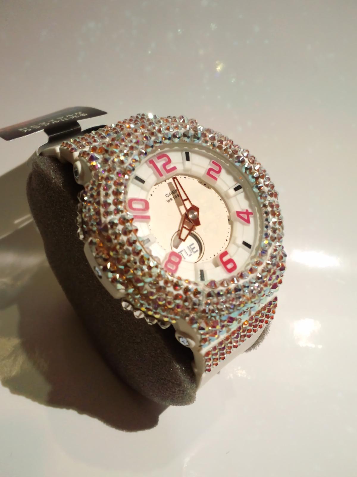 スワロ時計 『Baby-G ホワイト 腕時計』斜め